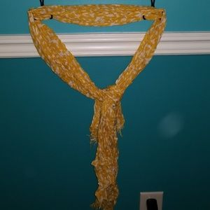 Accessories - Yellow and white scarf
